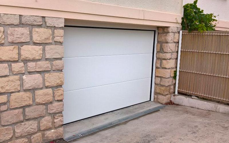 Porte de garage - Les Compagnons Peintres Champenois